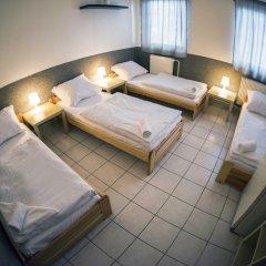 Хостел Seven Prague Номер с общей ванной комнатой с различными типами кроватей (общая ванная комната) фото 2