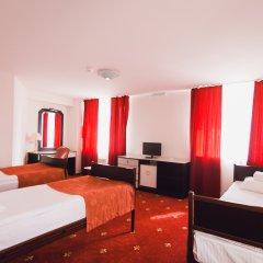 Амакс Сафар отель комната для гостей фото 8