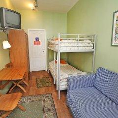 Хостел Друзья на Банковском Номер с общей ванной комнатой с различными типами кроватей (общая ванная комната) фото 3