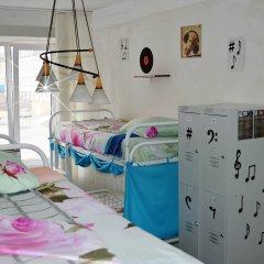 Хостел Достоевский Кровать в женском общем номере с двухъярусной кроватью фото 5