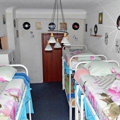 Хостел Достоевский Кровать в женском общем номере с двухъярусной кроватью фото 3