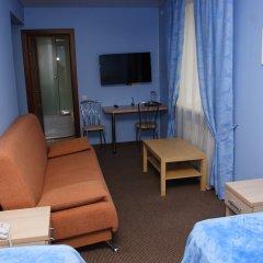 Гостиница Два крыла Улучшенный номер с 2 отдельными кроватями фото 4