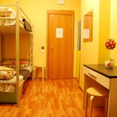 Хостел GooDHoliday Кровать в женском общем номере с двухъярусной кроватью