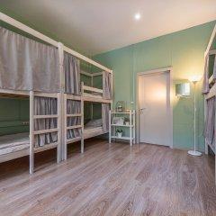 Хостел Маяковский Кровать в общем номере с двухъярусной кроватью