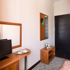 Гостиница Радужный 2* Стандартный номер с разными типами кроватей фото 4