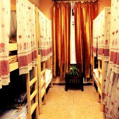 Хостел Любимый Кровати в общем номере с двухъярусными кроватями фото 12