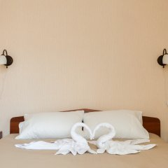 V Centre Hotel Улучшенный номер с разными типами кроватей