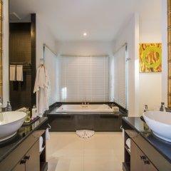 Отель The Bell Pool Villa Resort Phuket 5* Вилла с различными типами кроватей фото 7