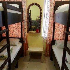 Hostel RETRO Кровать в женском общем номере с двухъярусной кроватью фото 2