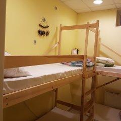 Hostel RETRO Кровать в мужском общем номере с двухъярусной кроватью фото 2