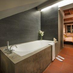 Отель Design Neruda 4* Улучшенный номер с различными типами кроватей фото 9