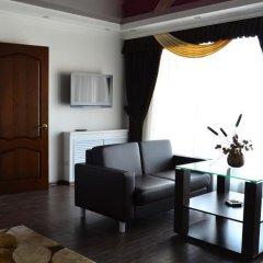 Гостиница Россия в Нальчике 5 отзывов об отеле, цены и фото номеров - забронировать гостиницу Россия онлайн Нальчик комната для гостей фото 2