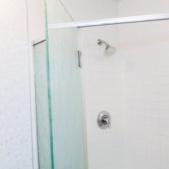 Отель Corporate Suites in Downtown LA near Staples Center США, Лос-Анджелес - отзывы, цены и фото номеров - забронировать отель Corporate Suites in Downtown LA near Staples Center онлайн ванная