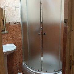 Гостиница Мини-Отель Альфа в Нальчике отзывы, цены и фото номеров - забронировать гостиницу Мини-Отель Альфа онлайн Нальчик ванная