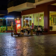 Апартаменты Peaceful at Saiyuan Buri Phuket гостиничный бар