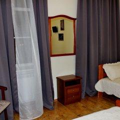 Гостевой Дом (Мини-отель) Ассоль Номер с общей ванной комнатой с различными типами кроватей (общая ванная комната) фото 3