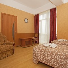 Гостиница Атлантида в Анапе 8 отзывов об отеле, цены и фото номеров - забронировать гостиницу Атлантида онлайн Анапа комната для гостей