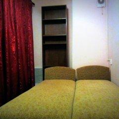 Гостевой Дом Old Flat на Жуковского Номер с общей ванной комнатой с различными типами кроватей (общая ванная комната) фото 4
