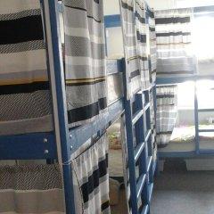 Goldfish Hostel Кровати в общем номере с двухъярусными кроватями фото 5