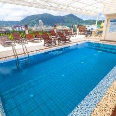 Отель Azhotel Patong бассейн фото 4