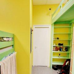 Red House Hostel Кровать в общем номере с двухъярусной кроватью фото 18