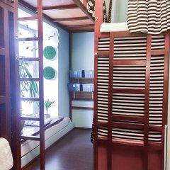 Хостел NW Hostel (North-West Hostel) Кровать в общем номере с двухъярусной кроватью
