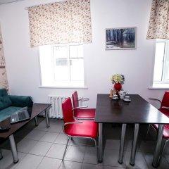 Гостиница Хостел Globus в Барнауле 1 отзыв об отеле, цены и фото номеров - забронировать гостиницу Хостел Globus онлайн Барнаул комната для гостей фото 3