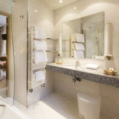 Odéon Hotel 3* Улучшенный номер с различными типами кроватей фото 2