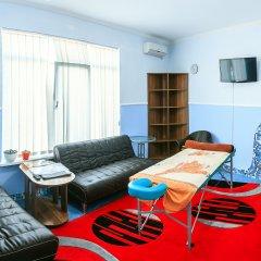 Гостиница Barton Park в Алуште 8 отзывов об отеле, цены и фото номеров - забронировать гостиницу Barton Park онлайн Алушта комната для гостей