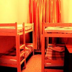 Хостел Любимый Кровати в общем номере с двухъярусными кроватями фото 17