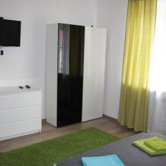 Гостевой дом Лорис Улучшенный номер с разными типами кроватей фото 9