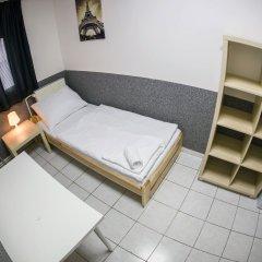 Хостел Seven Prague Номер с общей ванной комнатой с различными типами кроватей (общая ванная комната) фото 11