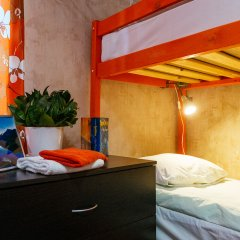 Hostel Five Кровать в общем номере с двухъярусной кроватью