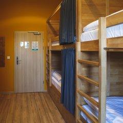 Хостел DREAM Hostel Warsaw Кровать в женском общем номере с двухъярусной кроватью