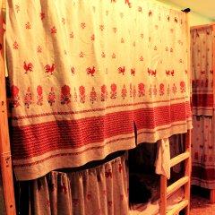 Хостел Любимый Кровати в общем номере с двухъярусными кроватями фото 16