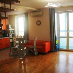 Гостиница Два этажа VIP Квартира в Химках отзывы, цены и фото номеров - забронировать гостиницу Два этажа VIP Квартира онлайн Химки комната для гостей фото 3