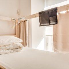 Centeral Hotel & Hostel Кровать в общем номере фото 20