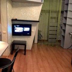 Апартаменты Квартира-Студия на Чистопольской 23 сейф в номере