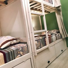 Хостел Kvartira Кровать в общем номере с двухъярусной кроватью фото 3