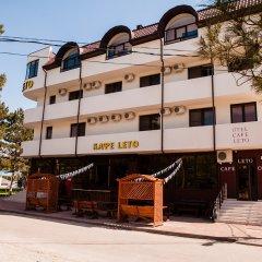 Гостиница Otel Leto & Второе Leto Guest House в Анапе отзывы, цены и фото номеров - забронировать гостиницу Otel Leto & Второе Leto Guest House онлайн Анапа вид на фасад фото 2