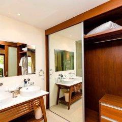 Отель Villa Laguna Phuket 4* Бунгало с различными типами кроватей фото 9