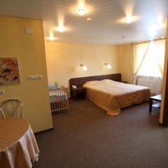 Гостиница Два крыла Стандартный семейный номер с различными типами кроватей фото 13