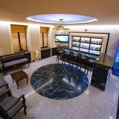 Hotel Dvin бассейн