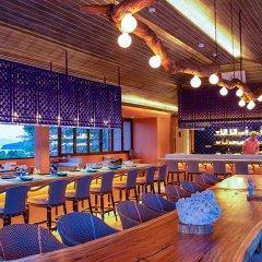 Sri Panwa Phuket Luxury Pool Villa Hotel гостиничный бар