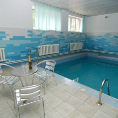 Гостиница Ласка бассейн