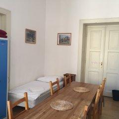Hostel Rosemary Кровать в общем номере с двухъярусной кроватью
