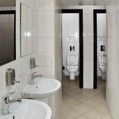 Hostel Podvorie Кровать в общем номере с двухъярусной кроватью фото 10