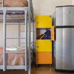 Метро-Тур хостел Кровать в общем номере с двухъярусной кроватью фото 2
