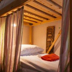 Hostel Five Кровать в женском общем номере с двухъярусной кроватью