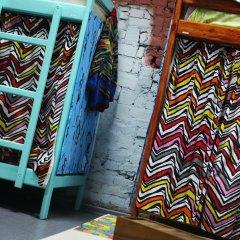 Red House Hostel Кровать в общем номере с двухъярусной кроватью фото 12